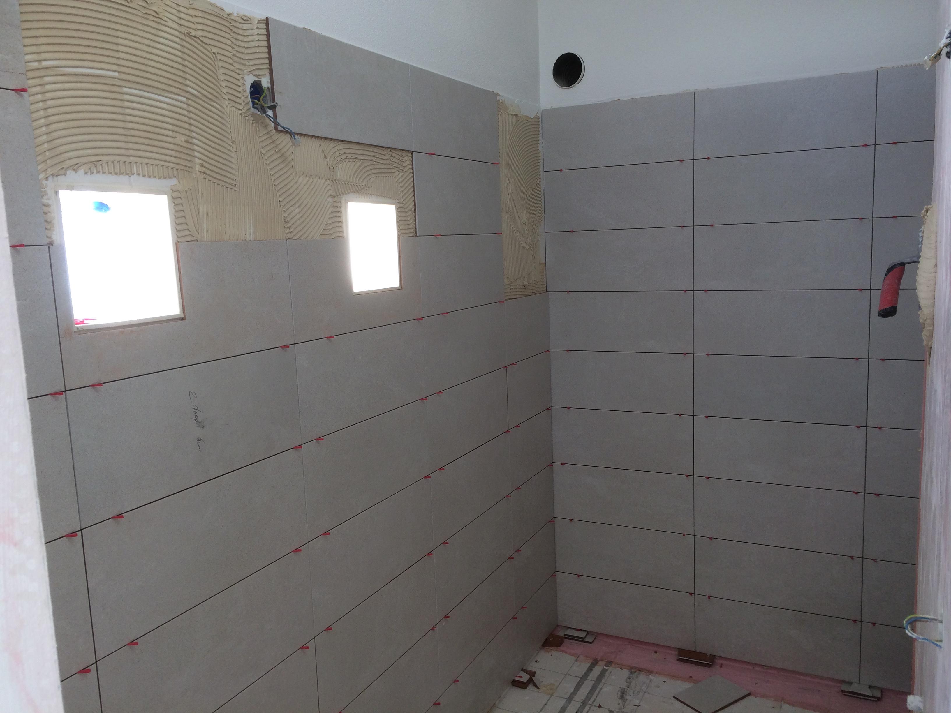 Zelf Badkamer Betegelen : Badkamer betegelen u van muijen bouw infra